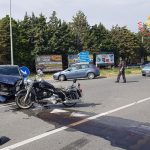 Scontro tra auto e moto su SS 106: due feriti